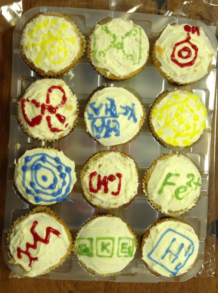 Clever Chemistry Cupcakes (2/3)