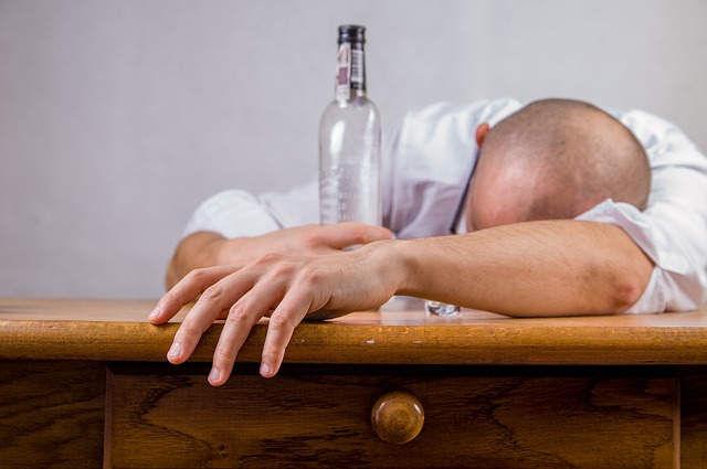 Does drinking alcohol actually cause dehydration? | the chronicle flask